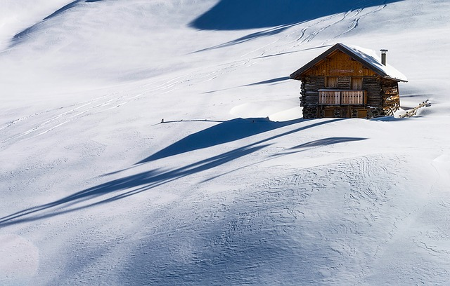 baita sulla neve